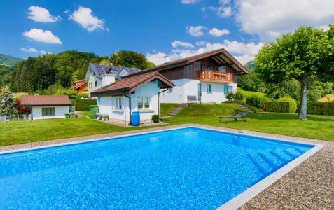 7.5-Zimmer-Einfamilienhaus mit viel Umschwung und Pool in Kaltbrunn