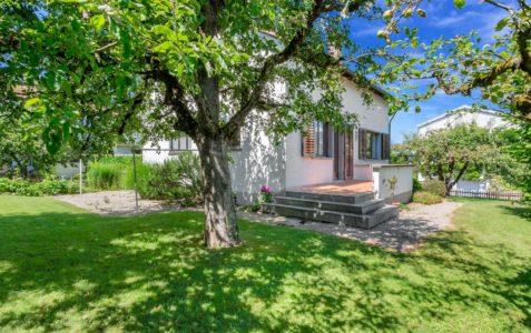5.5 Zimmer Einfamilienhaus mit Umschwung in Wädenswil