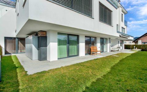 5.5-Zimmer Wohnung mit 180m2 Garten und Bergsicht in Neuhaus