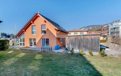 5-Zimmer-Einfamilienhaus an der Landwirtschaftszone in Kaltbrunn