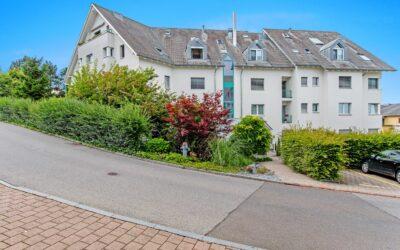 4.5-Zimmer-Gartenwohnung an ruhiger und zentrumsnaher Lage in Samstagern